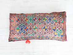 cojín bereber. dar amïna shop. http://daramina.bigcartel.com/products