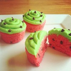 watermelon Cupcakes... perfect for summer!