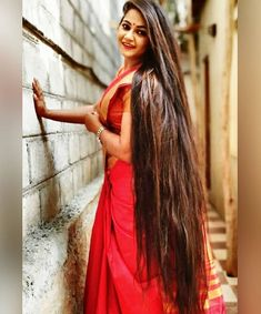 The next Rapunzel for the day is Our site is dedicated to the celebration of beautiful long hair. If you have long… Long Silky Hair, Very Long Hair, Beautiful Long Hair, Gorgeous Hair, Amazing Hair, Natural Hair Styles, Long Hair Styles, Loose Hairstyles, Hair Looks