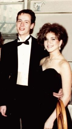 Jennifer Aniston Going to Prom – 1987 | 20 Rare And Historic Pictures Of Famous People | Popular People in History.