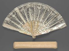 Second half 19th century, France - Fan - Brussels bobbin lace, mother-of-pearl