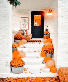 Fall Decorations, Halloween Decorations, Autumn Prints, Picture Credit, Aesthetic Iphone Wallpaper, Hallows Eve, Competition, House Design, Seasons