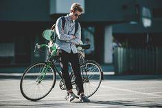 Surfer Boys, Skate Style, Vintage Vans, Work Fashion, Daniel Wellington, Ray Bans, Bicycle, Facebook, Sunglasses