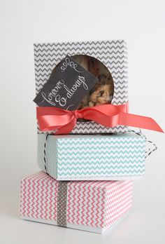cool #DIY #folded #paper #treat #boxes - these would be perfect for delivering #Christmas goodies. I have so much old #scrapbook #paper I could use to make these - what a great idea!