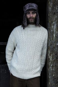 Knitting Patterns Men Rowan - Dalesman - This cable and rib men& sweater has been designed by Martin Storey using Bab. Knitting Books, Hand Knitting, Knitting Patterns, Cable Knitting, Rowan Yarn, How To Start Knitting, Knitwear, Men Sweater, Sweaters