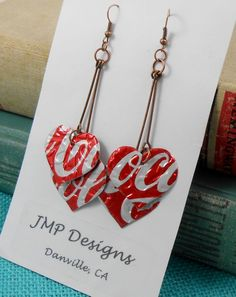 Recycled Soda Can Art. Coca Cola Each earring has 2 HEARTS that are lightweight, embossed and double-sided. Cute Jewelry, Jewelry Crafts, Beaded Jewelry, Diy Earrings, Heart Earrings, Bottle Cap Earrings, Recycled Jewelry, Handmade Jewelry, Recycled Clothing