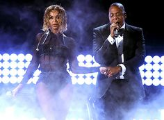 "Queen Bey and Jay Z start off the the 2014 Grammys with a bang performing ""Drunk in Love!"""