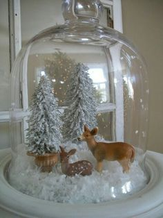Nine Ways to Decorate Your Bell Jar for Christmas – Diy Home Crafts Christmas Jars, Christmas Centerpieces, Xmas Decorations, Winter Christmas, All Things Christmas, Christmas Home, Woodland Christmas, Christmas Vignette, Christmas Globes