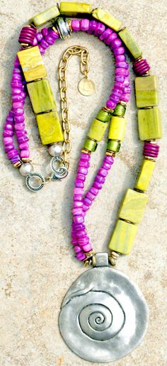 XO Gallery: Fuchsia and Chartreuse Bohemian-Style Pendant Necklace