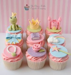 Beautiful Cake Pictures: Cute Princess & The Frog Cupcakes - Birthday Cupcakes, Colorful Cupcakes, Themed Cupcakes - Frog Cupcakes, Kid Cupcakes, Themed Cupcakes, Baking Cupcakes, Birthday Cupcakes, Cupcake Cookies, Snowman Cupcakes, Baking Desserts, Bolo Fondant