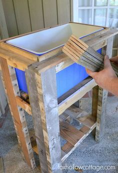 How To Build A Wood Deck Cooler Step – DIY Wood Deck Cooler Related posts: How to Build a Rustic Cooler from FREE Pallet Wood / Home Repair Tutor DIY Outdoor Cooler Deck Box How to Build a Patio Cooler New diy outdoor cooler table built … Deck Cooler, Pallet Cooler, Wood Cooler, Outdoor Cooler, Cooler Stand, Cooler Box, Cooler Cart, Ice Chest Cooler, Diy Pallet Projects