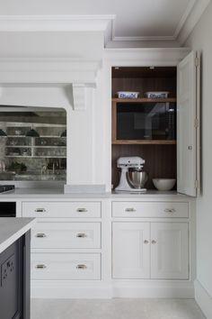 Small Kitchen Ovens, Diy Kitchen Cupboards, Kitchen Sink Design, Kitchen Cupboard Designs, Shaker Kitchen, Home Decor Kitchen, Kitchen Furniture, Kitchen Interior, New Kitchen
