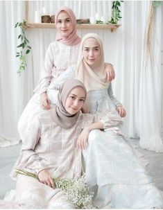 65 Ideas wedding party outfits friends for 2019 – Best Wedding Beauty Popular Photography, Party Photography, Foto Fashion, Trendy Fashion, Hijab Fashion, Fasion, Runway Fashion, Wedding Outfits For Women, Hijab Casual