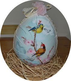 uovo dipinto a mano