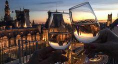 Вино - это неотъемлемая часть жизни французов.    . . #vin #rosé #verredevin #vinfrançais #frenchwine #wine #marais #perchoirmarais #paris #parisblog #parisianlifestyle #parisphotos White Wine, Parisian, Wine Glass, Alcoholic Drinks, Lifestyle, White Wines, Liquor Drinks, Alcoholic Beverages, Liquor