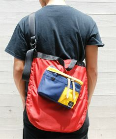 B印 YOSHIDA(×PORTER)の2-tacs×PORTER SHOULDER BAG <for bjirushi yoshida>です。こちらの商品はBEAMS Online Shopにて通販購入可能です。 Diy Tote Bag, Tote Backpack, Porter Bag, Versace Bag, Sack Bag, Wholesale Bags, Nylon Bag, Cute Bags, Teenage Room Decor