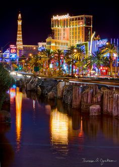 1d1e7142650 How to Find the Right Vegas Hotel for You