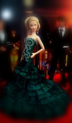 ๑Miss Australia 2013' Barbie Miss, Barbie And Ken, Barbie Style, Gowns Of Elegance, Elegant Gowns, Miss Pageant, Green Evening Gowns, Love Couture, Barbie Gowns