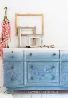 17 Spring Inspired Painted Furniture Makeovers. 17 Spring Inspired Painted Furniture Makeovers! I hope your week is off to an amazing start! Let's have some fun and take a look back at 17 Spring Inspired Painted Furniture Makeovers! 🌸 🌸 🌸 #siblog #salvagedinspirations #paintedfurniture #furniturepainting #furnitureroundup #springroundup #furniturepaintingtutorials Blue Painted Furniture, Salvaged Furniture, Farmhouse Furniture, Paint Furniture, Farmhouse Decor, Diy Dresser Makeover, Furniture Makeover, Dresser Makeovers, Stool Makeover