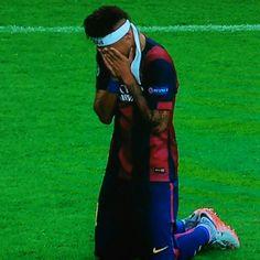 CAMPEONES DE EUROPAAA  Sono così felice oddio siete fantastici idoliii #Barça #ChampionsLeagueFinal  Ney che piange è troppo per me ciao✋ #AspettandoNeyColCiuffoBiondo #OgniPromessaÈDebito #TiAmo 100% Jesus