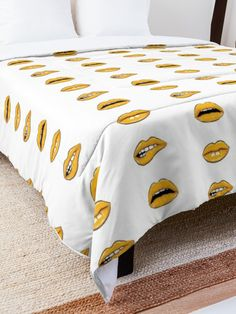 'Yellow Lips' Comforter by MadoMade Lip Designs, Blankets, Looks Great, Comforters, Lips, Yellow, Drawings Of Lips, Creature Comforts, Quilts