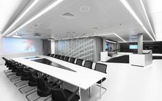 Office Room Design. Fantastic Building of Microsoft's Briefing Center designed by Coast Office Architecture in Wallisellen, Switzerland: Meeting Room Hi Tech With Glossy Glass Black Furniture Table ~ Slim 69