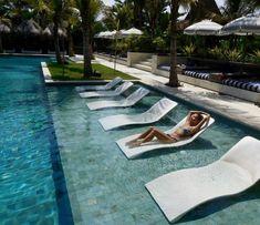 hotel pool Komune Resort and Beach Club. Amazing h - hotel Pool Bar, Pool Lounge, My Pool, Beach Pool, Bali Beach, Swiming Pool, Swimming Pools Backyard, Swimming Pool Designs, Hotel Swimming Pool