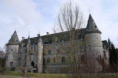 Château de Fallais, situeé sur la commune de Fallaisdans la province de Liége, Belgique.