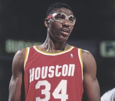 """ I've always felt it was not up to anyone else to make me give my best. Hakeem Olajuwon, Houston Rockets, Nba Basketball, Michael Jordan, Mj, Goat, Beautiful People, Culture, History"