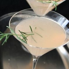 Rosemary Grapefruit Martini - a delicious twist on a classic cocktail.