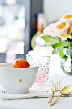@planningpretty's romantic breakfast with @westelm's Teeny Heart Bowls + Gold Flatware + Hobstar Glassware