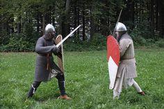 Der Kaufmann wird Trainiert. Comthurey Alpinum, 1180 a.D. Reenactment.