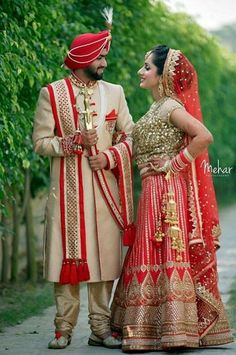 New Panjabi clubs and sardarji love marriage Punjabi Wedding Couple, Indian Wedding Couple Photography, Indian Wedding Bride, Wedding Couple Photos, Punjabi Couple, Indian Wedding Outfits, Pre Wedding Photoshoot, Wedding Photography Poses, Wedding Poses