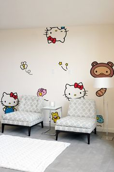 Want your room to represent one of the greatest characters ever created in Japanese pop culture? Yes you do. #hellokitty #blik