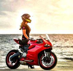Biker girl on Ducati 899 Panigale