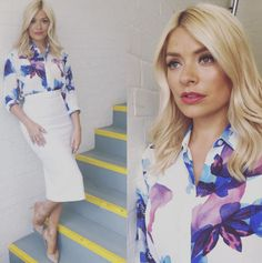 Holly Willoughby drives viewers wild by wearing see-through.: Holly Willoughby drives viewers wild by wearing… Office Fashion, Work Fashion, Fashion Beauty, Fashion Outfits, Women's Fashion, Lady Like, Classic Outfits, Stylish Outfits, Classic Clothes