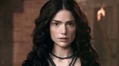 Janet Montgomery from the t.v show Salem  Obsessed with her natural but flawless face. Less is more