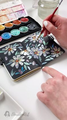 Painting Daisies with Watercolor - Daisies by using Metallic Accents watercolor on a black paper. Daisy Painting, Watercolor Painting Techniques, Watercolor Video, Watercolour Painting, Watercolor Flowers, Painting & Drawing, Daisy Drawing, Black Painting, Watercolor Journal