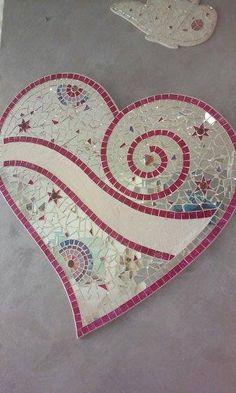 Groot hart mozaïek glas wijdt grote hart meubilair Panel Mosaic Garden Art, Mosaic Tile Art, Mosaic Artwork, Mosaic Diy, Mosaic Crafts, Mosaic Projects, Mosaic Glass, Glass Art, Stained Glass Crafts