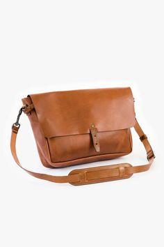 Vintage Messenger Bag – WP Standard Vintage Leather Messenger Bag, Leather Bags Handmade, Leather Briefcase, Men's Briefcase, Messenger Bag Backpack, Laptop Backpack, Leather Company, Leather Projects, Tan Leather