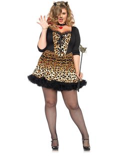 Look extra fierce with this Sexy Wildcat Plus Women's Costume.