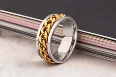 Stainless steel rotating chain ring Ring Settings Types, Jewelry Gifts, Fine Jewelry, Stainless Steel Alloy, Types Of Rings, Fashion Rings, Fashion Fashion, Statement Rings, Band Rings