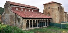 Monasterio de San Miguel de Escalada (Leon) Spain - 951-1050 AD - Mosarabic. Romanesque Art, Romanesque Architecture, Roman Architecture, Church Architecture, Historical Architecture, Places Around The World, Around The Worlds, High Middle Ages, Places In Spain
