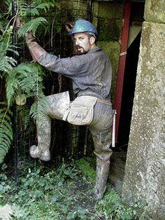 Wellies Boots, Bear Men, Men In Uniform, Attractive Men, Hard Hats, Leather Men, Jeans And Boots, Hot Guys, Working Men