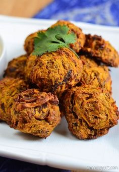 Slimming Eats Oven Baked Onion Bhaji - gluten free, dairy free, Vegetarian, Slimming Eats and Weight Watchers friendly Slimming World Recipes Syn Free, Slimming World Diet, Slimming Eats, Vegan Indian Recipes, Vegetarian Recipes, Cooking Recipes, Healthy Recipes, Free Recipes, Vegetable Recipes