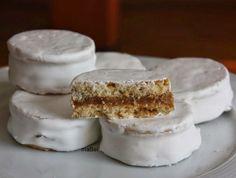Alfajores blancos de dulce de leche ~ Pasteles de colores