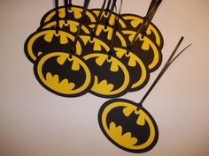 These Bat tags can be wrapped around a favor bag or given as a thank-you tag for a party guest. You can also use them as gift tags for