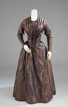 Afternoon dress, silk and cotton, c. 1845, American. Metropolitan Museum of Art accession no. 2009.300.933a, b