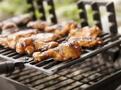Whether you're planning on a zesty BBQ party, or simply fixing yourself something tasty, you'll love our 13 most-loved, hassle-free grilling recipes. Barbecue Recipes, Grilling Recipes, Grilled Chicken, Tandoori Chicken, Easy Weeknight Dinners, Easy Meals, Bbq Wings, Perfect Steak, Buffalo Wings