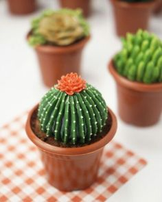 Inspirasi Bake : [ 20 gambar ] Idea dan Tutorial Cupcakes pokok kaktus dan…
